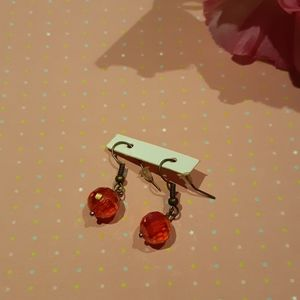 Earrings of imitation crystals